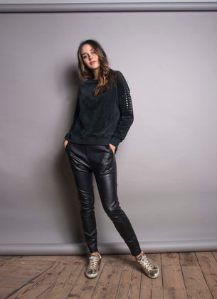 The Slouchy Velour Sweat - Black