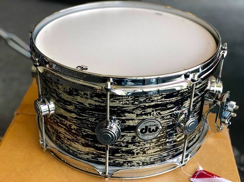 "DW USA Collector's Series All-Maple 7""x13"" Snare Drum, FinishPly Black Oyster Glass, Chrome Hardware"