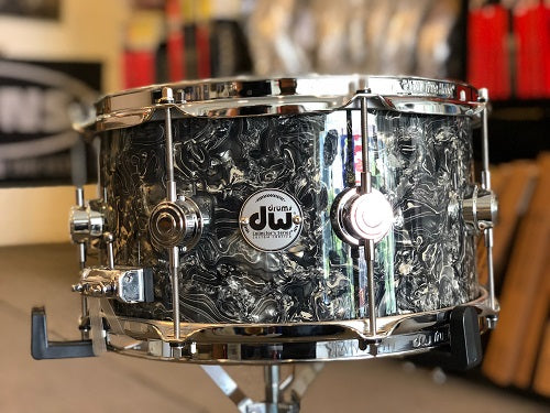 "DW USA Collector Series All-Maple 7""x13"" Snare Drum, FinishPly Silver Abalone, Chrome Hardware"