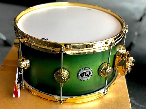 "DW USA Collector's All-Maple 7""x13"" Snare Drum, Satin Specialty Lime Green to Blk Burst, Gold HW"