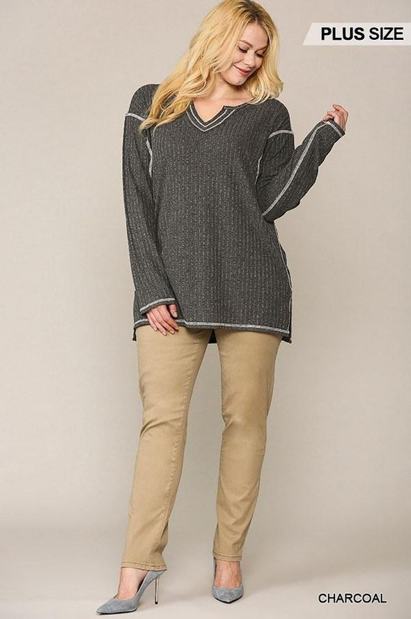 Two-tone Ribbed Tunic Top With Side Slits - Tokhore