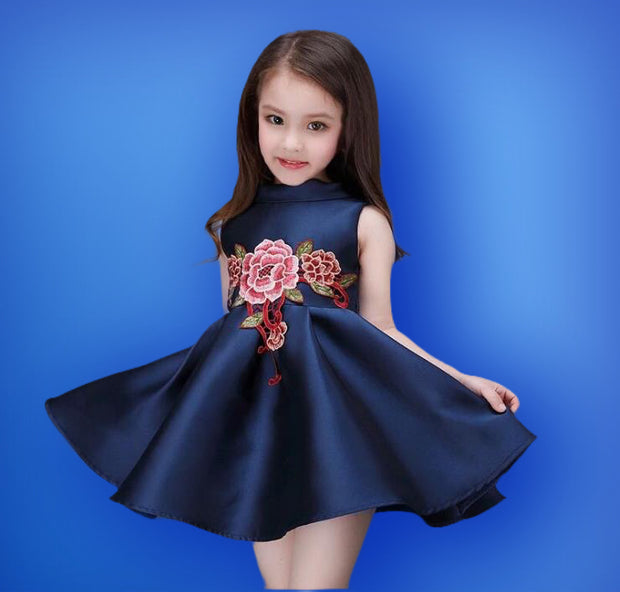 Girl's Flower detail satin dress