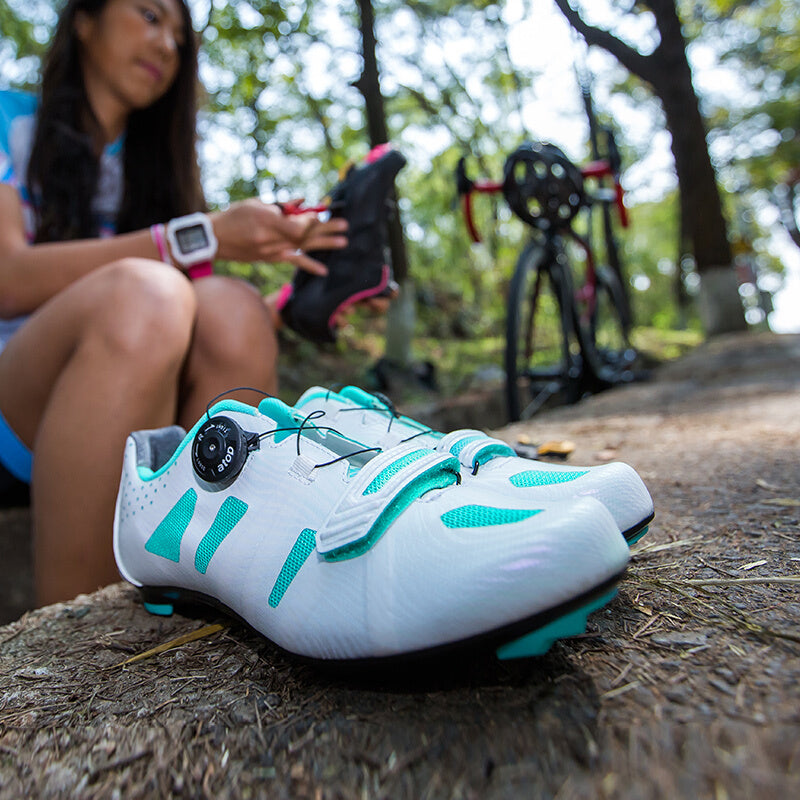 Santic Women Cycling Road Shoes Lace-up Cycling Racing Team Bicycle Shoes