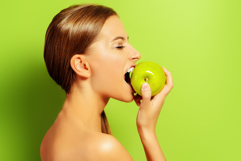 Want Flawless and Glowing Skin? 4 Ways Raw Foods Benefit Your Skin.