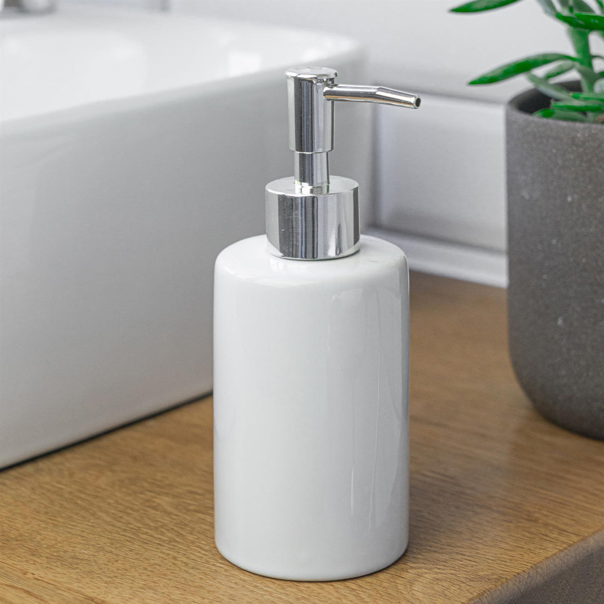 Harbour Housewares Ceramic Soap Dispenser - White