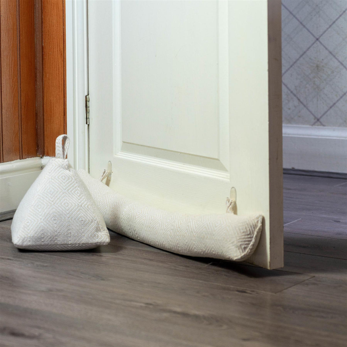 Nicola Spring Decorative Door Stop Natural 20cm Interior Door Lifestyle with Matching Draught Excluder