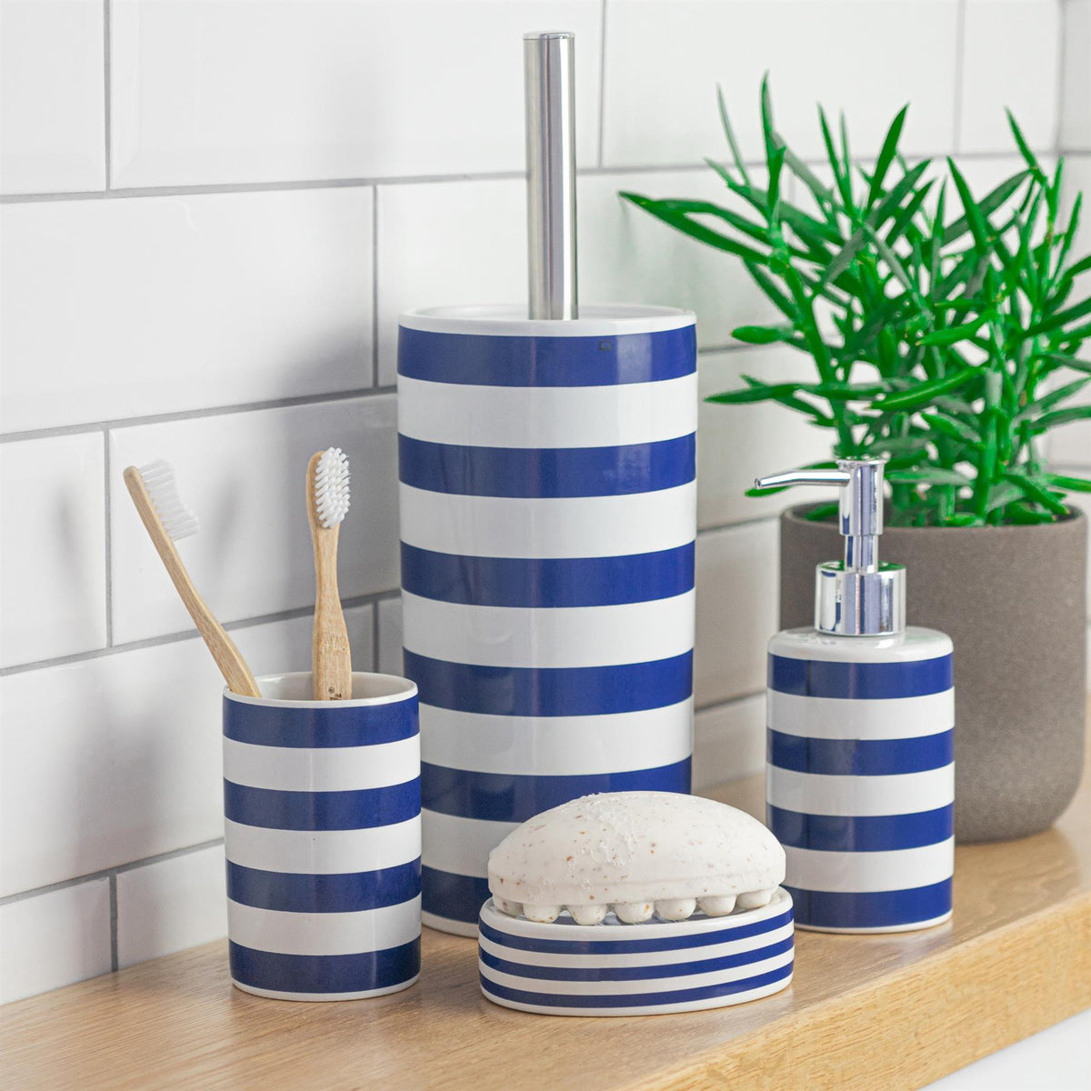 Harbour Housewares Ceramic Soap Saver Dish - Blue and White