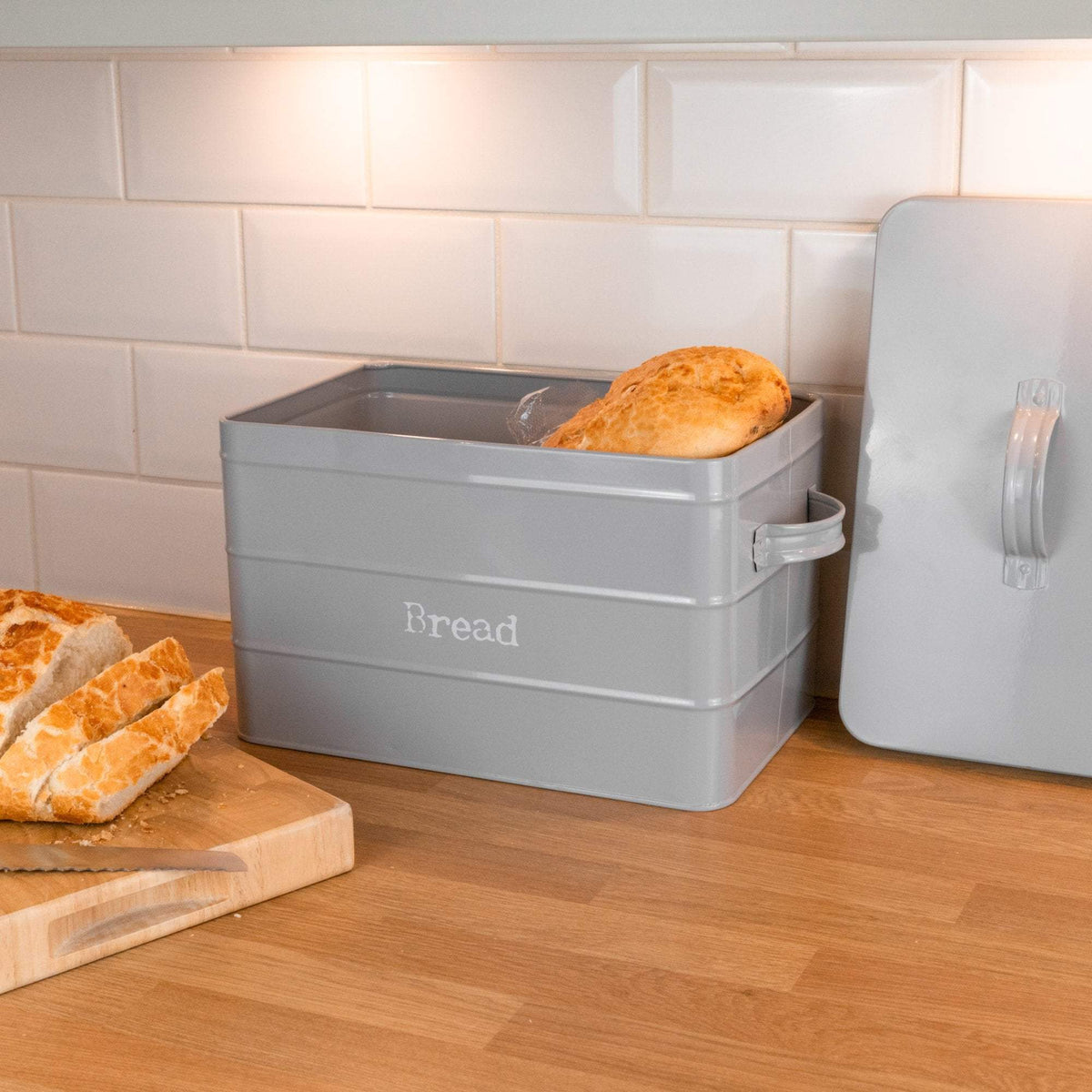 Harbour Housewares Vintage Style Metal Kitchen Bread Bin - Grey - 17L