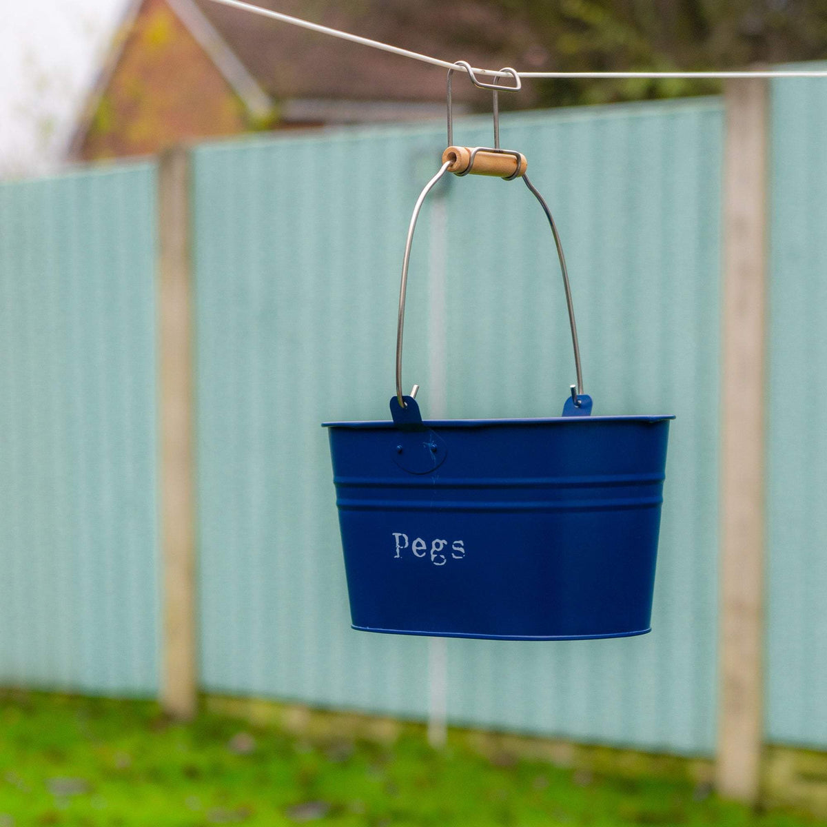 Harbour Housewares Vintage Metal Clothes Peg Bucket - Navy