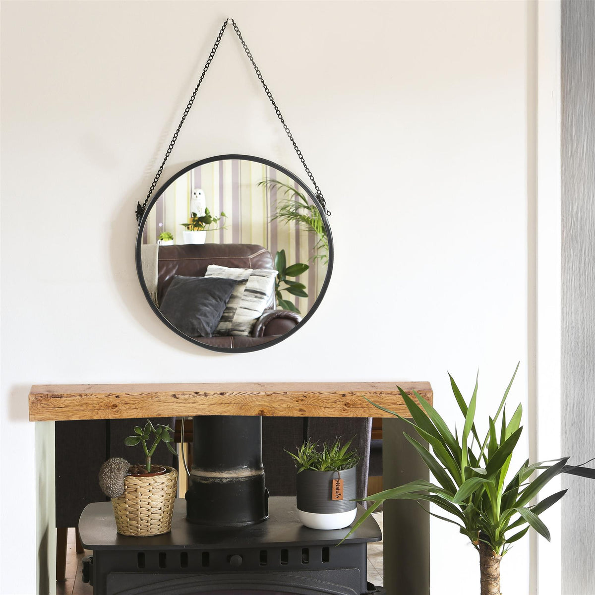 Harbour Housewares Round Framed Wall Mirror - Silver Chain - 40cm - Black