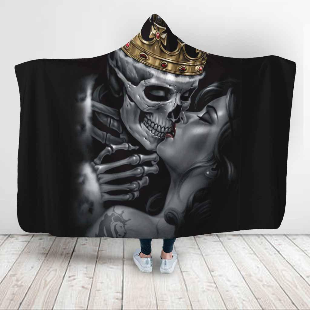 Special Sale: King Skull Couple Skull Lovers Hooded Blanket