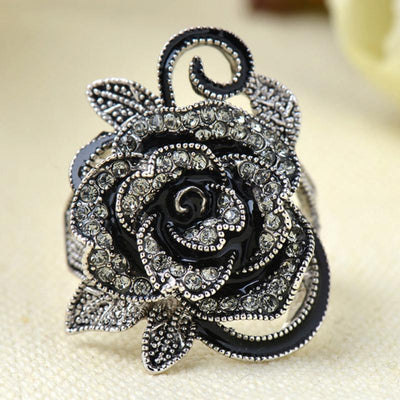 Retro Vintage Rose Pattern Punk Ring