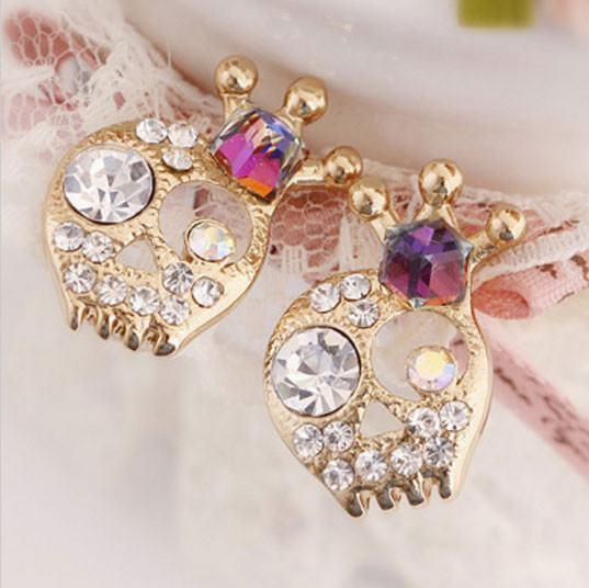 Beautiful Queen Crystal Skull Stud Earrings