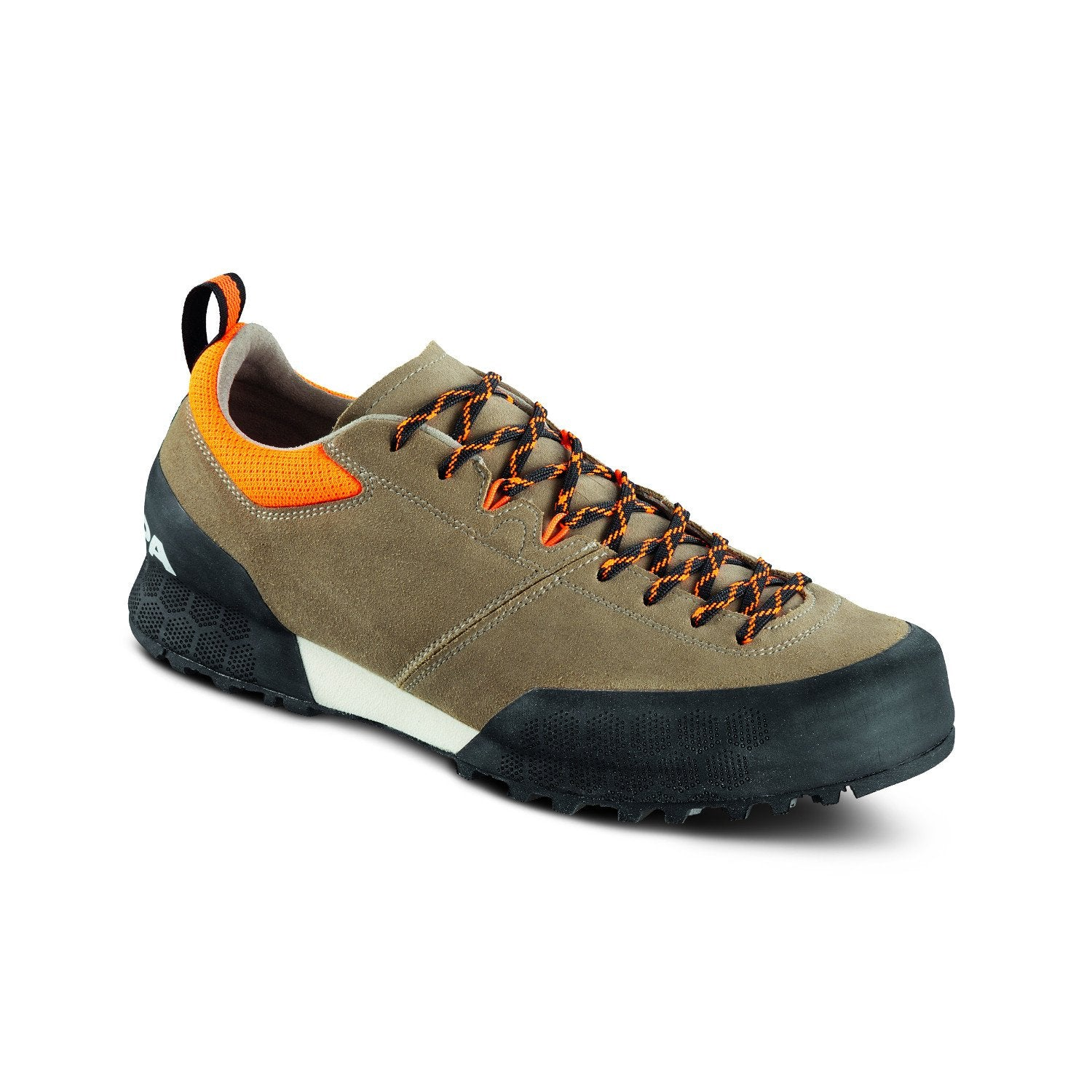 The Scarpa Kalipe Approach Shoe, front/side view in Beige and Orange