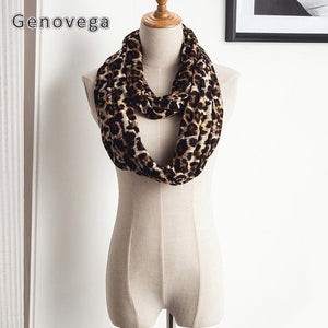 Loop Scarf With Pocket With Designs