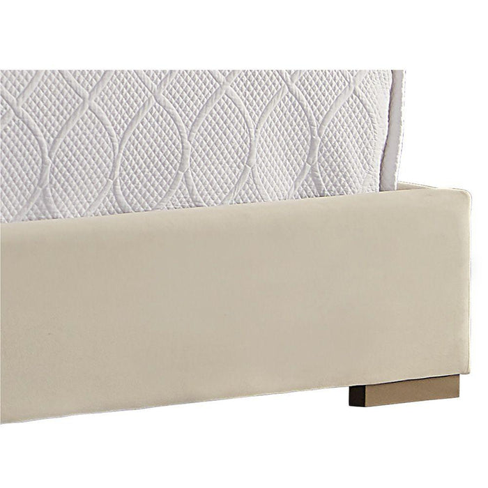Gayla Bed - King - Antonio Porcelain