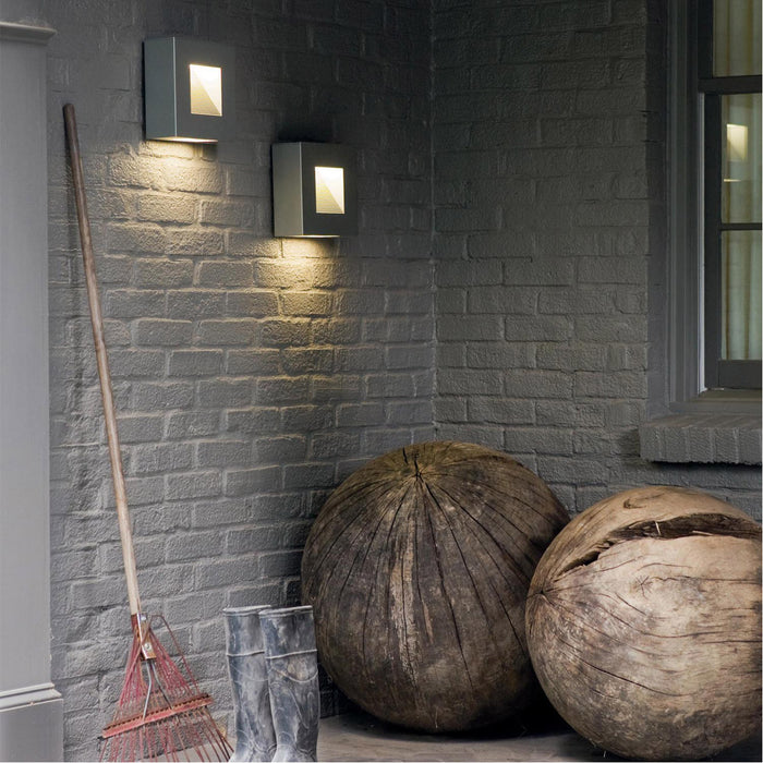 Outdoor Luna Wall Sconce
