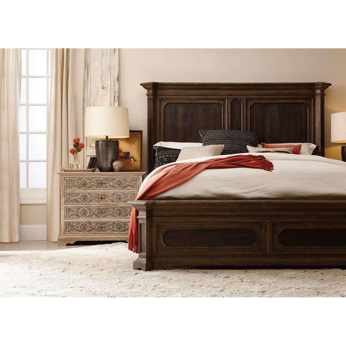 Woodcreek Queen Mansion Bed