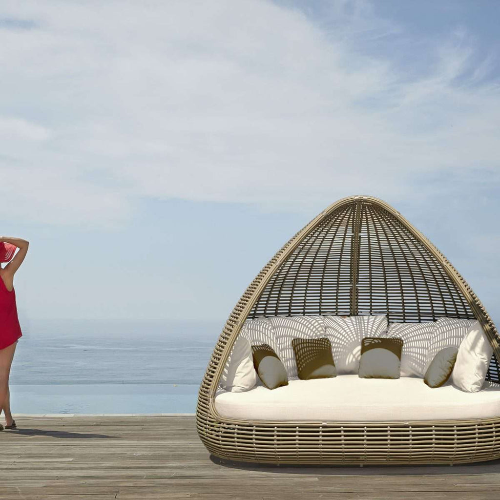 Shade Daybed by Skyline