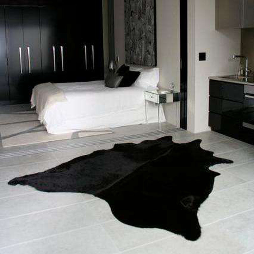 Black Dyed Cowhide_2