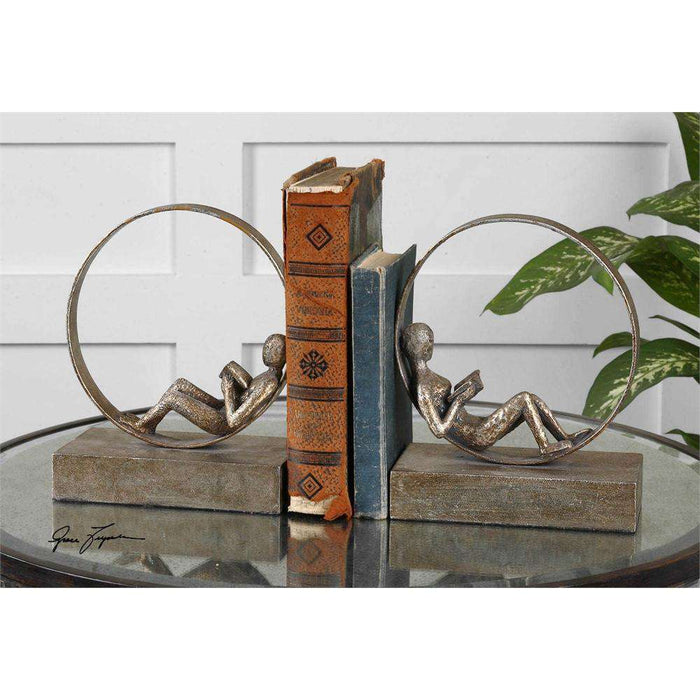 Lounging Readers Bookends
