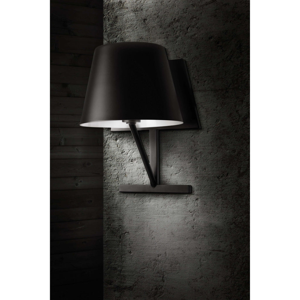Concom Wall Lamp