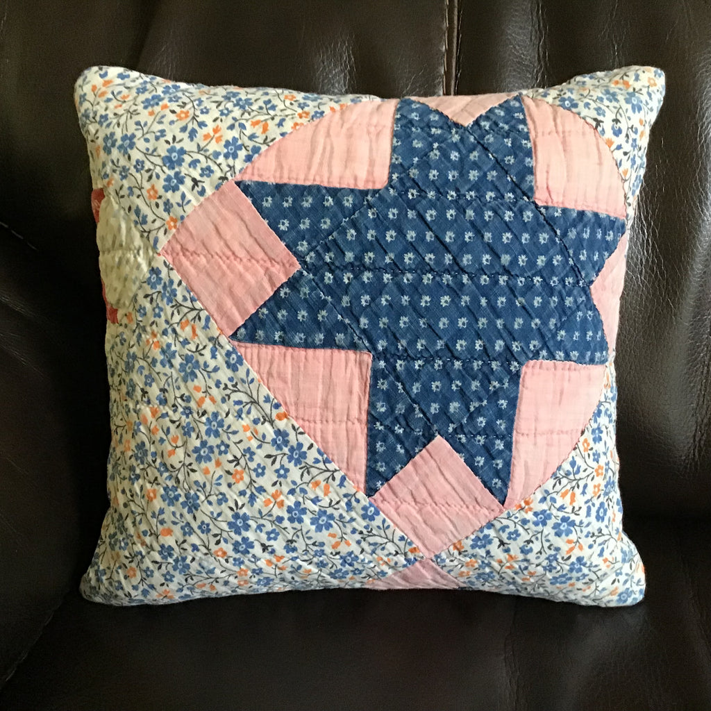 Vintage quilt star pillow - Homestead House