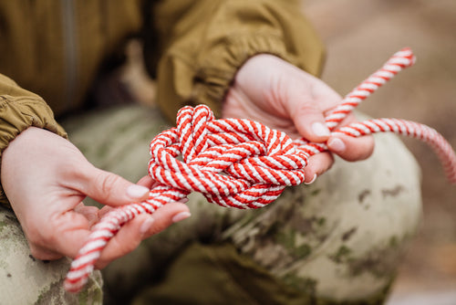 How Knot To Die In The Wild: 3 Survival Knots Everyone Should Learn