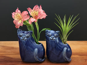 kitty cat vase / royal blue