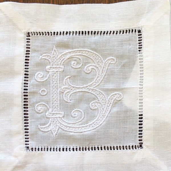 Cocktail napkins vine monogram