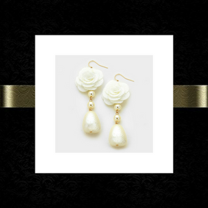 Flower pearl drop earrings
