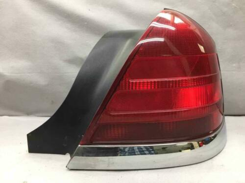 OEM 99 - 11 FORD CROWN VICTORIA Right Tail Light Assembly TESTED AA9515 WJ6B7