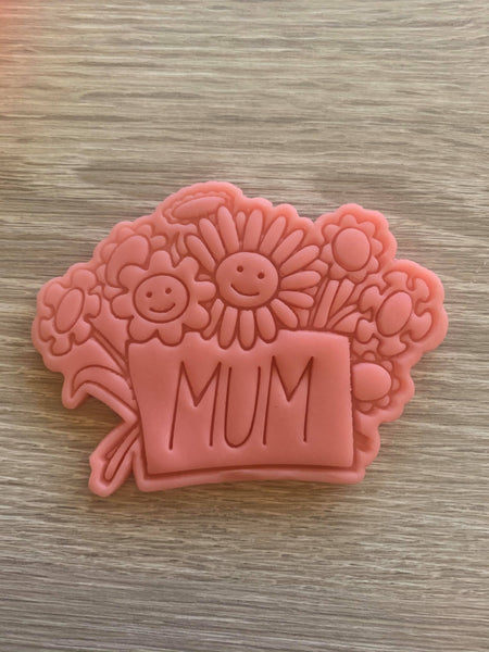 Mum/Mom Flowers Cookie Cutter and Embosser.