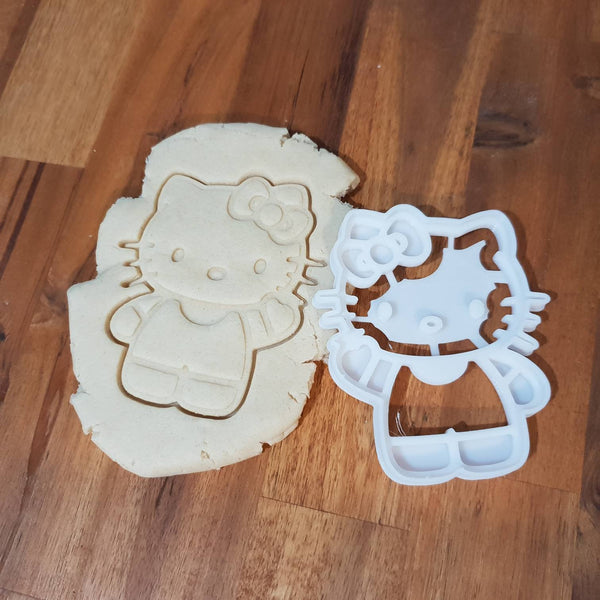 Hello kitty Cookie Cutter - just-little-luxuries