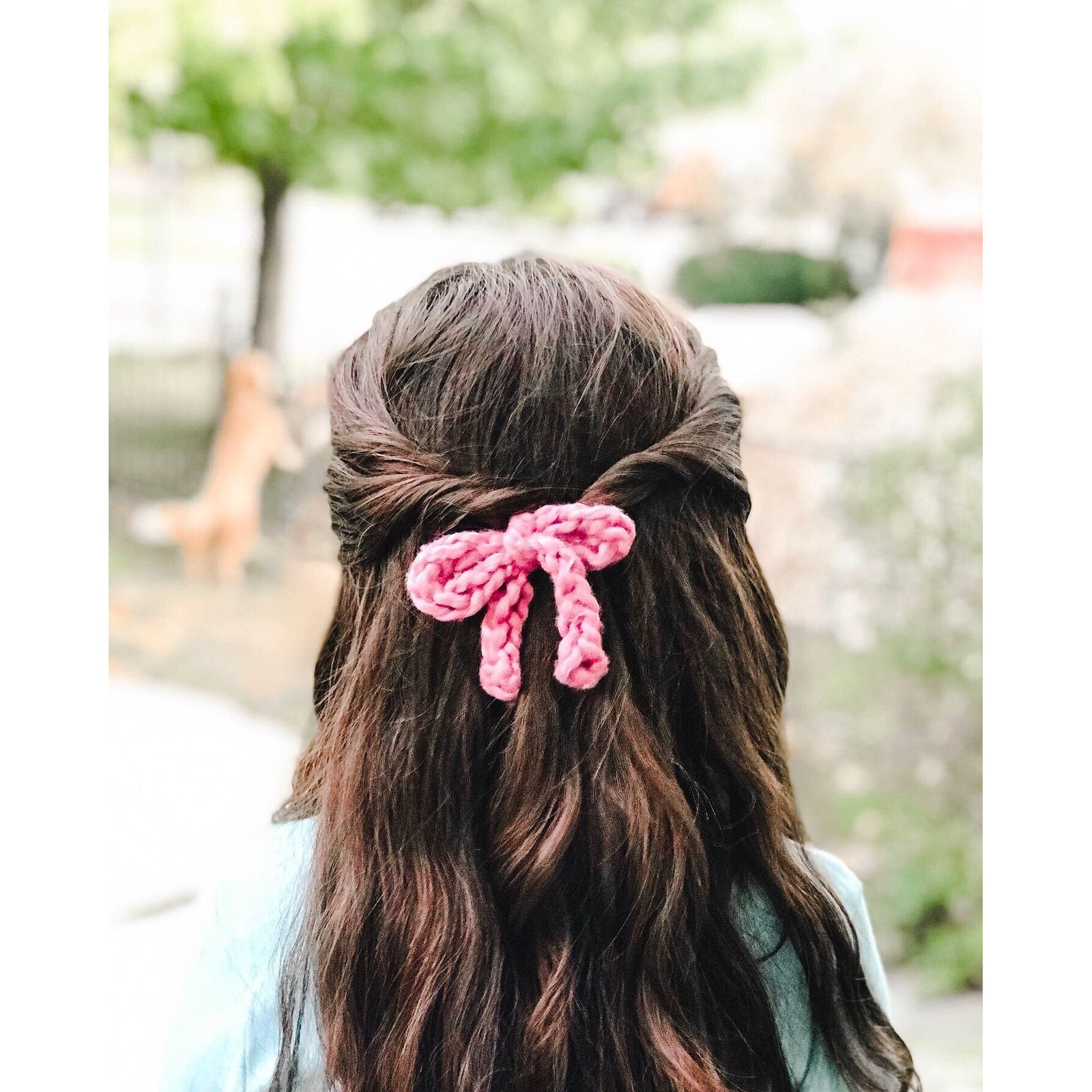 Pink knitted bow