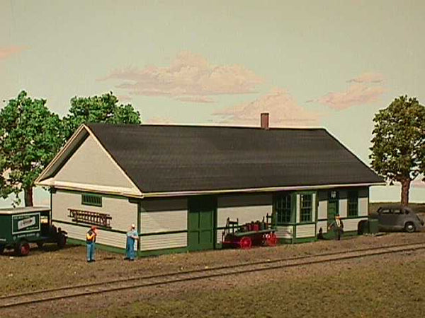American Model Builders 133  Great Northern Standard Depot - The Scuderia 46