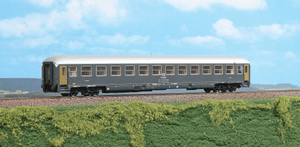 ACME 50721  2nd Class Passenger Coach of the FS Type UIC-X 1970 - The Scuderia 46