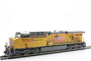 Athearn Genesis G69761  HO ES44AC w/DCC & Sound, UP/Flag #5252 - The Scuderia 46