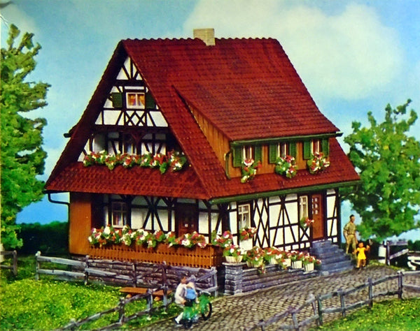 Faller 272 Half-Timbered House - The Scuderia 46