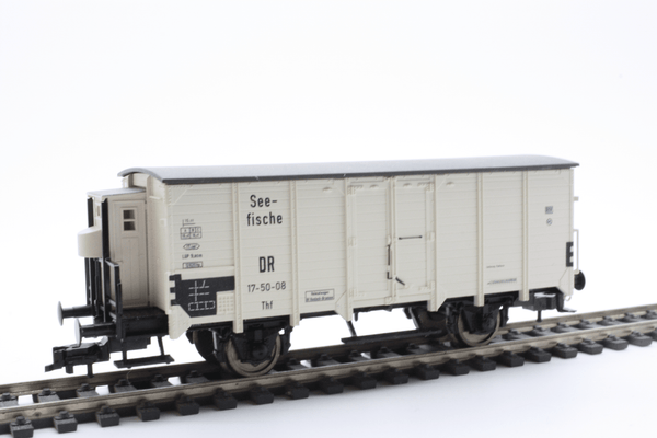 Fleischmann 5348 Refrigerated wagon, with brakeman's cab, of the DR - The Scuderia 46