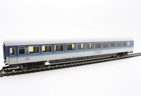 Fleischmann 5672  2nd class Passenger Wagon FD-FernExpress, DB - The Scuderia 46