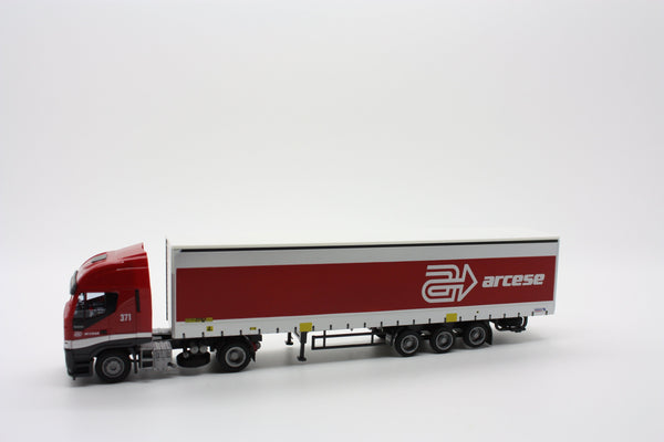 "Kombimodell 10350.01  Iveco Truck and Curtainside Trailer ""ARCESE"" - The Scuderia 46"