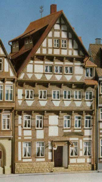 Kibri 8442  Half Timbered House - The Scuderia 46