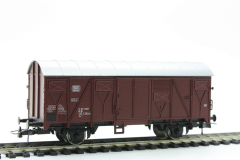 Roco 46014 Boxcar of the German Federal Railways - The Scuderia 46