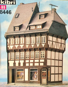 Kibri 8446  Half Timbered Inn with shops - The Scuderia 46