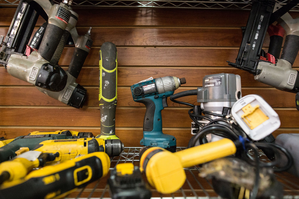 Pre-owned Power Tools like Makita Dewalt Hitachi and other drills impact drivers