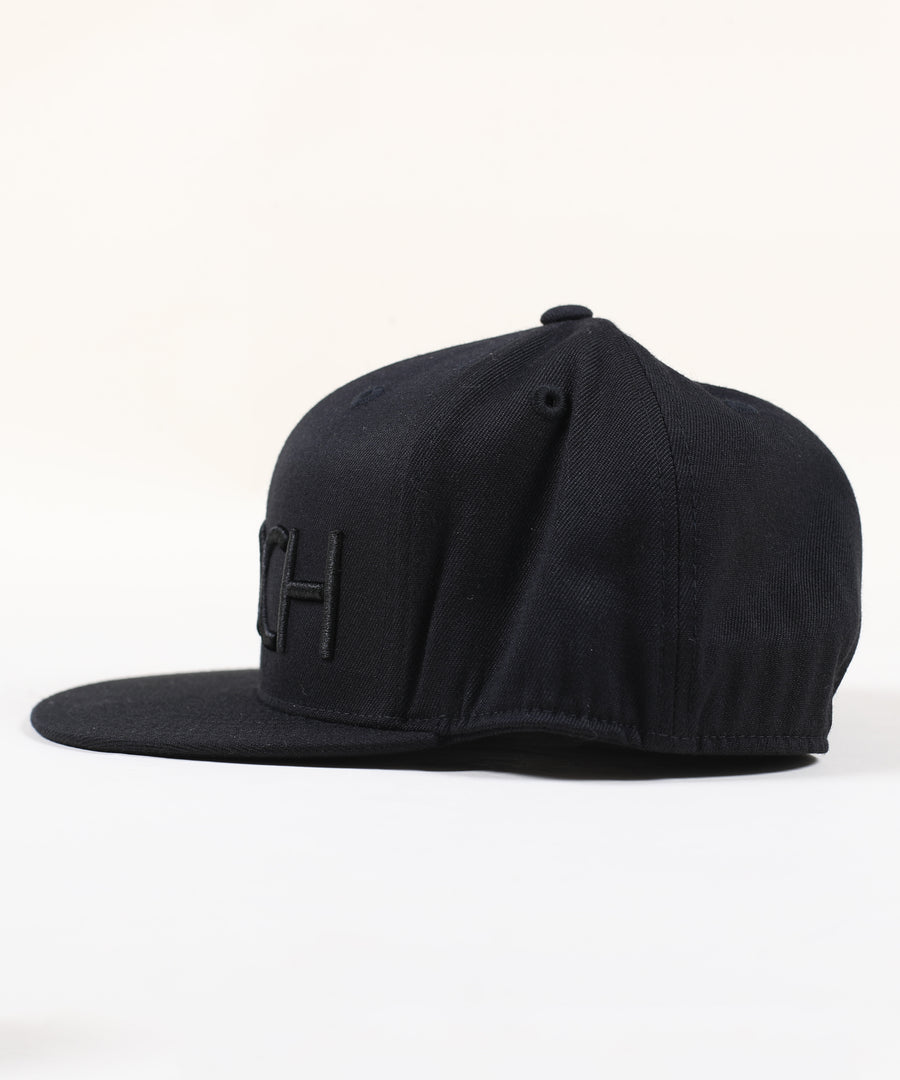 Rings Fitted Hat - Stealth Black