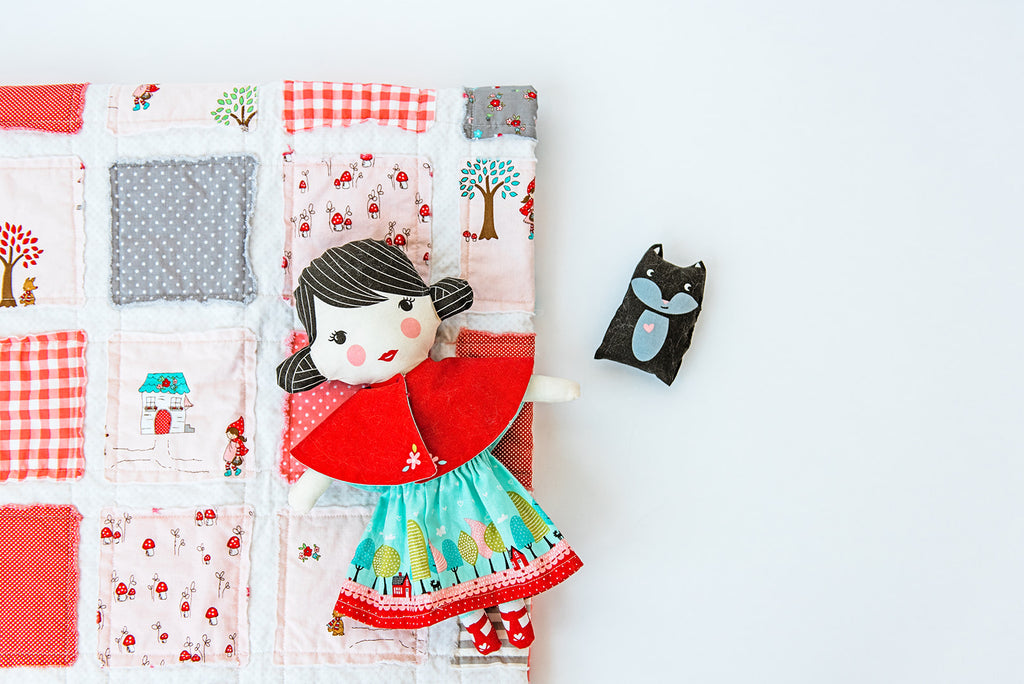 fairy-tale-inspired-quilt-little-red-riding-hood