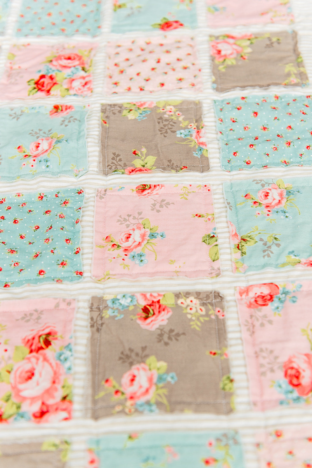 beautiful-handmade-floral-quilt-for-kids-by-sugar-owl-design