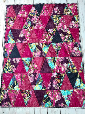 triangle-quilt-trendy-baby-gifts